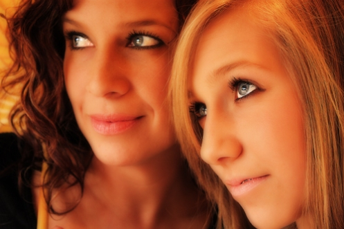 Melanie & Kari